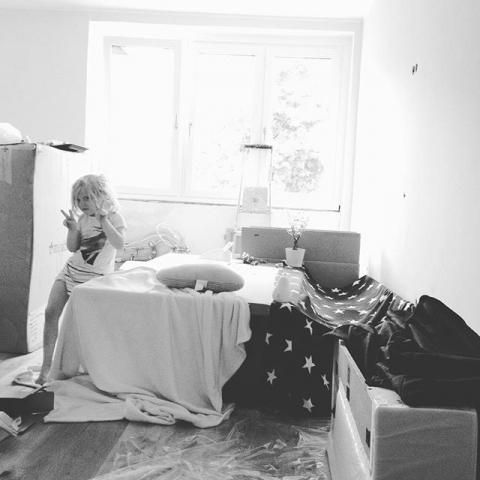 IkeaKistenHöhlenLiebe #louundpaul #louise #happy #höhlenbau #ikea #newhome