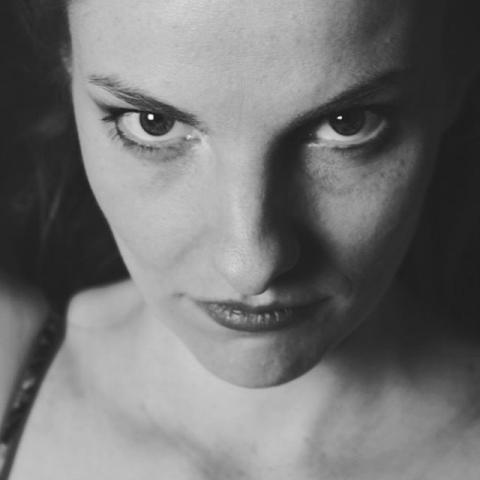 Yvonne, Düsseldorf 2001 #beautifulpeople #düsseldorf #Fotostudio #portrait #bw #portraiture #studio #photography #pinkunicorn #2017 #newyear #analog #filmisnotdead #rollfilm #blackandwhite #love