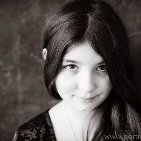 Giuliana, 2016 #2017 #portraits #portraiture #bw #fotostudio #duesseldorf #düsseldorf_finest #smile #inlove #seniorportraits #beauty