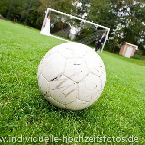 Fußball Hochzeit Liebe #weddingwednesday#bridalparty#bridetobe#weddinginvitations#weddingregistry#dreamwedding#shesaidyes