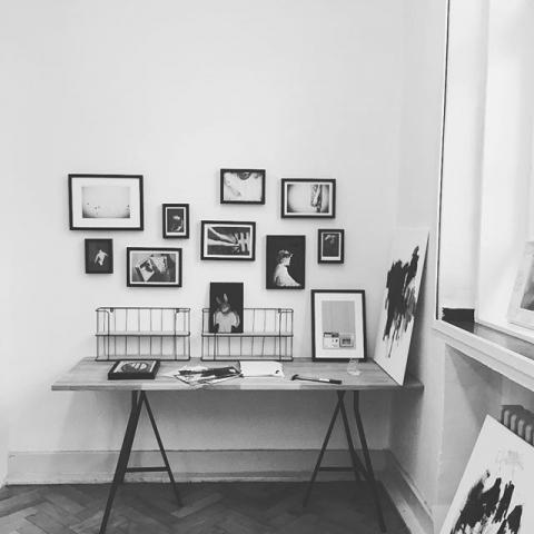 Vorbereitungen zum Tag des Offenen Ateliers #kfzrheinhausen #atelier #tagderoffenentüre #artistsofinstagram #artist #germanart #black #blackart