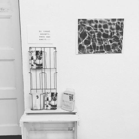 Kommt uns besuchen!! Heute und Morgen sind die Tage des offenen Ateliers und in ganz Duisburg öffnen viele tolle Künstler ihre Werkräume. @elisabeth.hoeller, Rainer Bergmann, Annette Erkelenz, Fritz Haubner, Barbara Koxholt, Britta Lauer, Siegrid Neuwinger, Peter Steinebach und mich findet ihr hier: Kultur- und Freizeitzentrum, Schwarzenberger Straße 147, 47266 Duisburg Samstag von 14-16Uhr, Sonntag von 12-17 Uhr Wir freuen uns auf Euch!! #germanart #artistsofinstagram #portraitmood #photoart #artist #vernissage #atelier #kunstduisburg #kunst #artwork #art #künstler #weingibtesauch