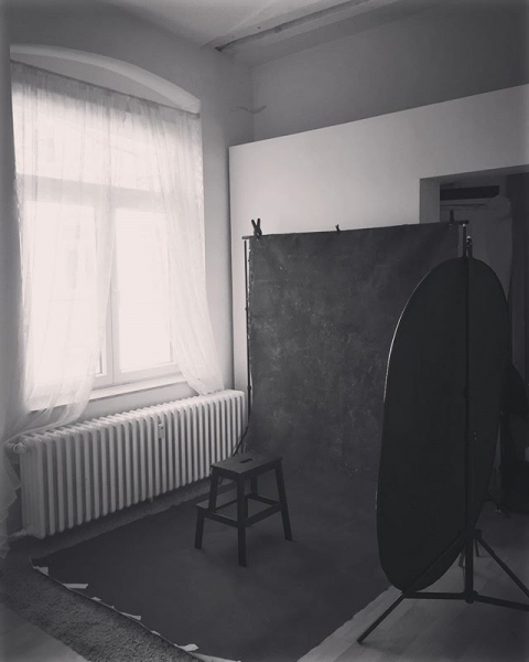 Portrait Set from todays Session @rougerausch #photography #portraitmood #portraitstudiodüsseldorf #düsseldorf #Fotostudio #oliphantbackdrops #portraitmaster #grlboss #woman #portraiture #fineart