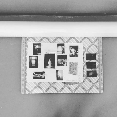 Lillyfee Goes Exhibition... aus Ermangelung einer Mappe musste leider die Lillyfee Kladde der Tochter zum Transport herangezogen werden ... bisschen Farbe schadet ja nie... am Sonntag startet wieder der Kunstmarkt und es gibt tolle Künstler zu sehen! Kommt rum!! #artoftheday #art #heart #artist #lillyfee #pinkheart #hase #ingajockel #cubuskunsthalle #artmarkt #kunstmarkt2017