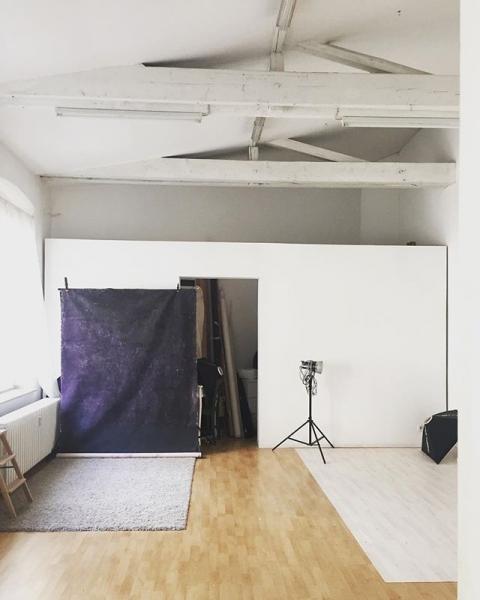 Atelier Düsseldorf, 2018 @duesseldorfsfinest #düsseldorf #taketheriskormissthechance #wildheartscantbebroken #fotostudio #portraits #fineart