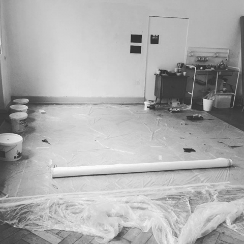 Noch einiges zu tun bis zum Tag des offenen Ateliers. Ich freu mich schon richtig auf den Herbst und den Winter und mehr Zeit drinnen zum Malen, Matschen und ruhiger werden. Und natürlich freue ich mich auf euren Besuch am Wochenende 29.&30.9. im Kultur-und Freizeitzentrum Rheinhausen (Raum 107). Im ganzen Haus öffnen die Künstler/innen ihre Türen und es gibt super viel Spannendes zu entdecken!!